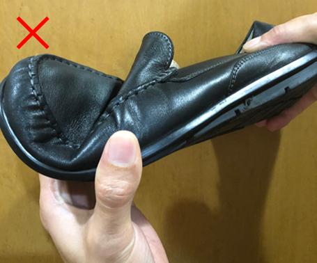 間違った靴01